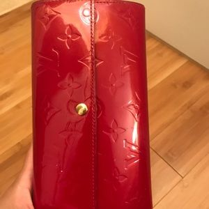 Louis vuitton wallet. Red color
